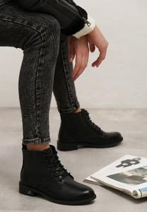 Czarne botki born2be sznurowane w stylu casual z płaską podeszwą