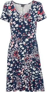 Sukienka bonprix z krótkim rękawem z dżerseju z dekoltem w kształcie litery v