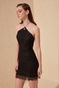 Sukienka Trendyol z dekoltem halter mini dopasowana