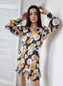 Sukienka Ottanta z dekoltem w kształcie litery v w stylu casual