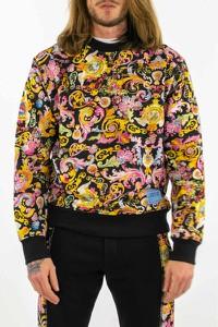 Bluza Versace Jeans w młodzieżowym stylu
