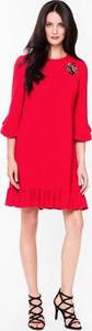 Czerwona sukienka L'AF z długim rękawem midi z okrągłym dekoltem