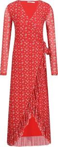 Czerwona sukienka NA-KD z długim rękawem