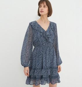 Sukienka House z długim rękawem w stylu casual
