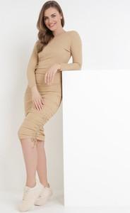 Sukienka born2be w stylu casual z długim rękawem z golfem