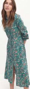 Zielona sukienka Reserved koszulowa w stylu casual z dekoltem w kształcie litery v