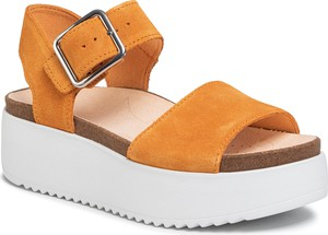 Żółte sandały Clarks z klamrami
