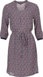 Sukienka La Ligna z dekoltem w kształcie litery v z długim rękawem w stylu casual
