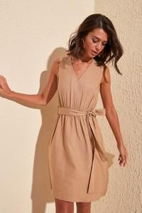 Sukienka Trendyol bez rękawów mini w stylu casual