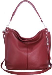 Czerwona torebka TrendyTorebki w wakacyjnym stylu