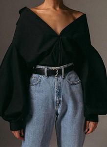 Czarna bluzka Arilook z dekoltem w kształcie litery v