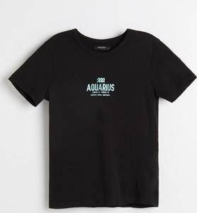 Czarny t-shirt Reserved z krótkim rękawem z okrągłym dekoltem