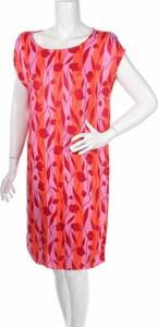 Sukienka Numph z krótkim rękawem z okrągłym dekoltem