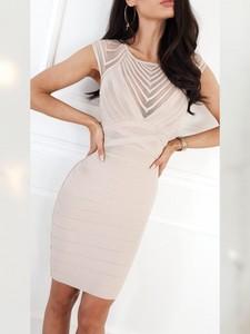 Sukienka Infinityfashion.pl bez rękawów z dekoltem w kształcie litery v dopasowana