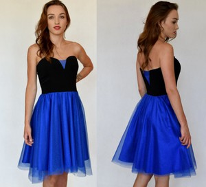 Niebieska sukienka estera