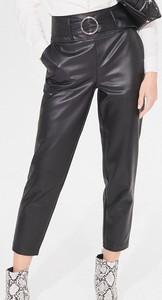 Spodnie Mohito ze skóry ekologicznej w stylu glamour