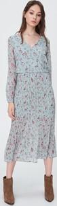 Sukienka Sinsay z szyfonu z dekoltem w kształcie litery v
