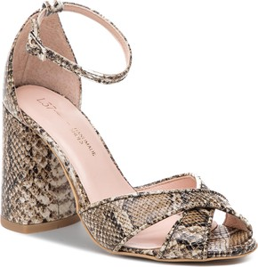 Brązowe sandały L37 w stylu casual z klamrami