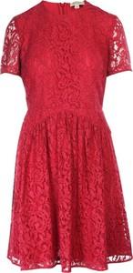 Czerwona sukienka Burberry z okrągłym dekoltem mini