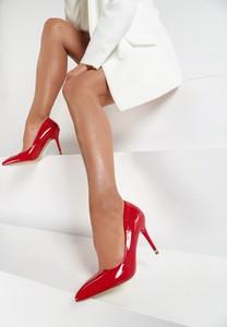 Czerwone czółenka Renee w stylu klasycznym ze spiczastym noskiem