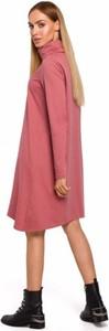 Różowa sukienka MOE w stylu casual z dzianiny z golfem