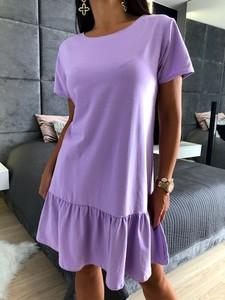Fioletowa sukienka ModnaKiecka.pl oversize w stylu casual z krótkim rękawem