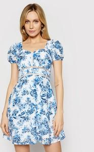 Niebieska sukienka Guess mini w stylu casual z okrągłym dekoltem