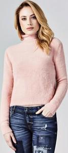 Różowa bluzka Guess z golfem