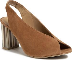 Brązowe sandały Karino na obcasie