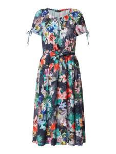Sukienka Betty Barclay z krótkim rękawem z dekoltem w kształcie litery v
