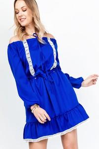 Niebieska sukienka ZOiO.pl rozkloszowana w stylu casual