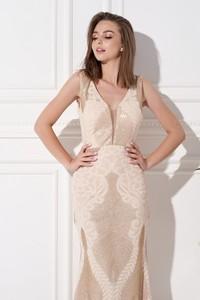 Sukienka Ella Boutique z dekoltem w kształcie litery v na ramiączkach z tkaniny