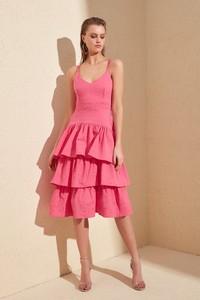 Różowa sukienka Trendyol na ramiączkach