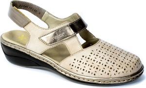 Sandały Rieker z płaską podeszwą z klamrami w stylu casual