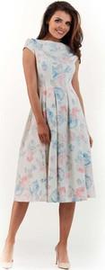Sukienka Infinite You midi z krótkim rękawem
