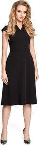 Czarna sukienka MOE midi z dekoltem w kształcie litery v z krótkim rękawem