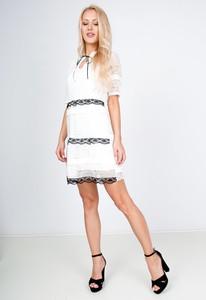 Sukienka Zoio z żabotem mini w stylu casual