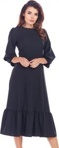 Sukienka Awama midi z długim rękawem z okrągłym dekoltem