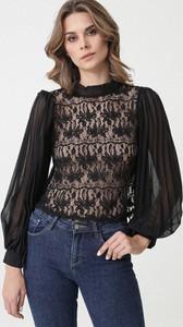 Czarna bluzka born2be z okrągłym dekoltem w stylu boho z długim rękawem