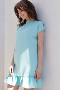 Miętowa sukienka butik-choice.pl z okrągłym dekoltem mini