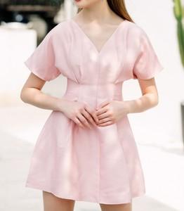 Sukienka Justmelove z dekoltem w kształcie litery v mini z krótkim rękawem