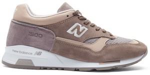 Brązowe buty sportowe New Balance z zamszu w sportowym stylu sznurowane
