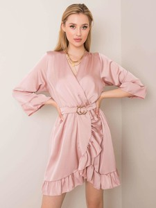 Różowa sukienka Sheandher.pl z kołnierzykiem w stylu casual z długim rękawem