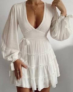 Sukienka Kendallme z dekoltem w kształcie litery v mini w stylu boho