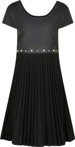 Czarna sukienka Armani Jeans w stylu casual z krótkim rękawem z okrągłym dekoltem