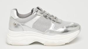 Sneakersy XTI na platformie