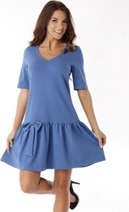 Niebieska sukienka Ella Dora w stylu casual z dekoltem w kształcie litery v