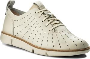 Półbuty clarks - tri etch 261325294 white leather