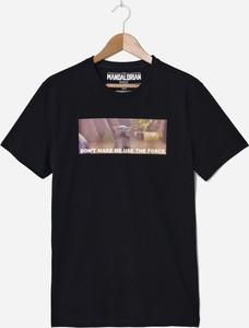 Czarny t-shirt House z bawełny z krótkim rękawem