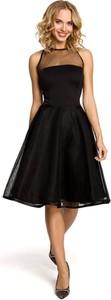 Czarna sukienka MOE bez rękawów z okrągłym dekoltem